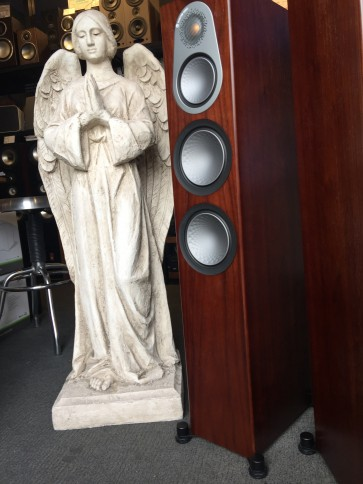 Monitor Audio Silver 300 ... obsessive wood finish, smooth and deep sound