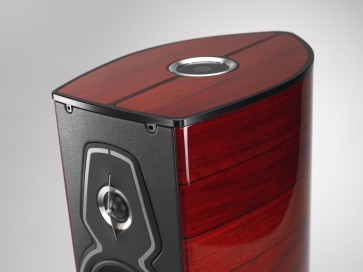 Sonus Faber Guarneri Tradition ... Hey, did you happen to see the most beautiful speaker in the world?