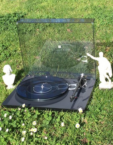 Rega Planar 6 turntable ... rotational engineering excellence in vinyl
