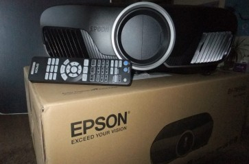 Epson TW9300 LCD Video Projector
