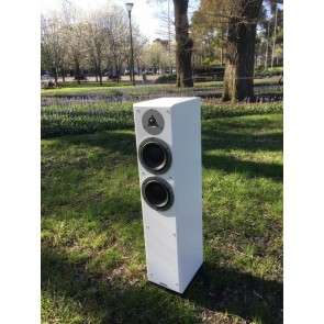 Dynaudio Emit M30 floorstanding speakers last pair ex display in white